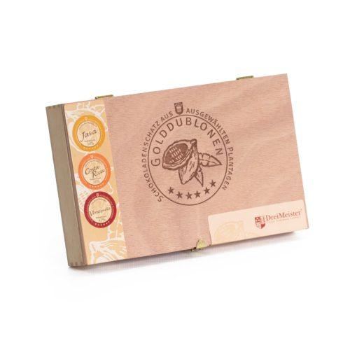 Holzkiste mit Branding, 45 Golddublonen mit 3 Sorten Vollmilch