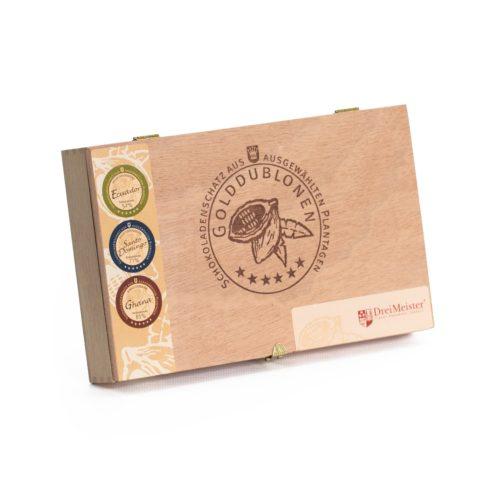 Holzkiste mit Branding, 45 Golddublonen in 3 Zartbitter Sorten