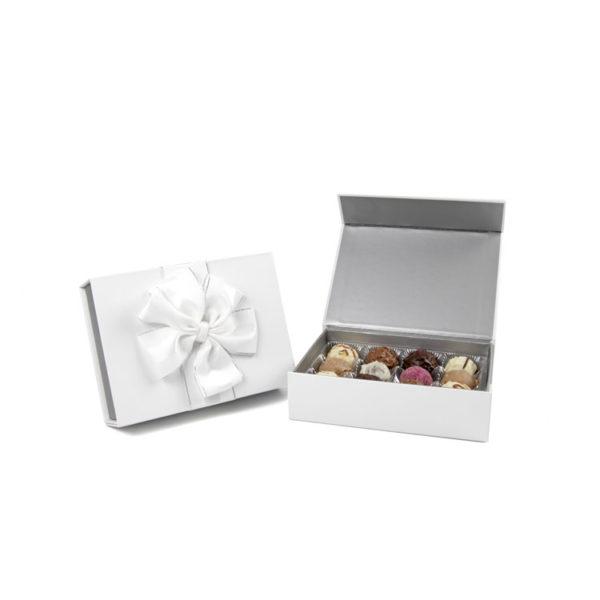 Elegante weiße Präsentschatulle mit befüllt mit 150g köstlichen Trüffeln